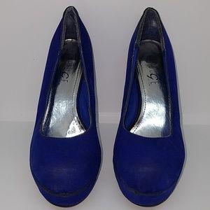 High heels/shoes